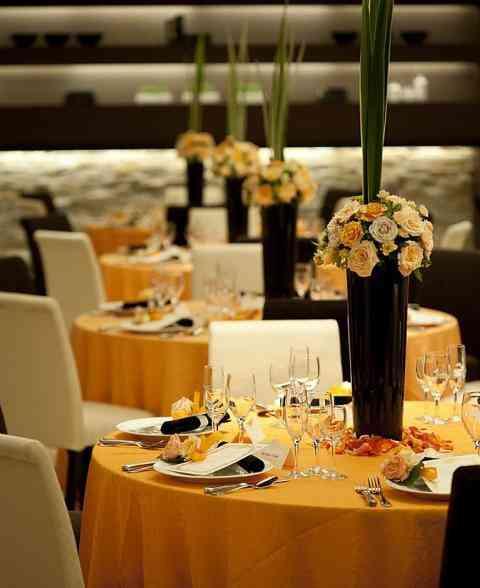 【ウェディング】オレンジ・イエローのおしゃれなテーブルコーディネート・装花集【結婚\u2026